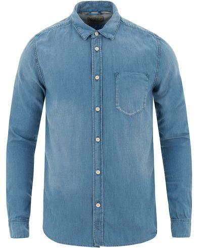 Nudie Jeans Henry Indigo Chambray Shirt Light Blue i gruppen Skjorter / Jeansskjorter hos Care of Carl (13452511r)