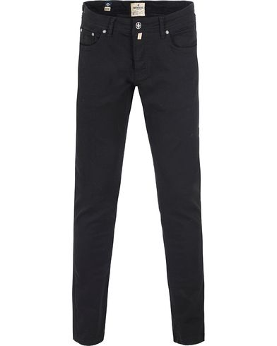 Morris Black Sheep Jeans Sky Black i gruppen Jeans / Avsmalnende jeans hos Care of Carl (13455711r)