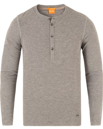 Boss Orange Topsider Fine Heather Waffle Henley Grey i gruppen Design B / Kläder / Tröjor / Farfarströjor hos Care of Carl (13459411r)