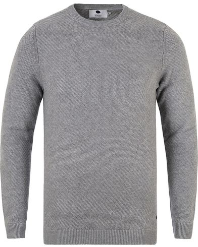 NN07 Thomas Cotton Waffle Knit Light Grey i gruppen Tröjor / Stickade tröjor hos Care of Carl (13462011r)