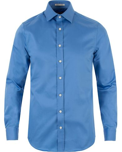 Gant Diamond G G. Plain Satin Fitted Body Shirt Sky Blue i gruppen Design A / Skjorter / Formelle skjorter hos Care of Carl (13466311r)
