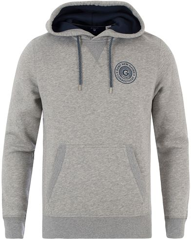 GANT New Haven Sweat Hoodie Grey Melange i gruppen Kläder / Tröjor / Huvtröjor hos Care of Carl (13469211r)