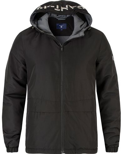 Gant The Reflective Hood Jacket Black i gruppen Design A / Jackor / Tunna jackor hos Care of Carl (13470311r)