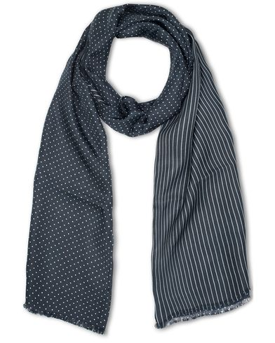 Oscar Jacobson Doublefaced Polka Dot Scarf Blue  i gruppen Assesoarer / Scarves hos Care of Carl (13471310)