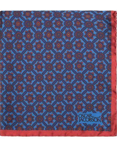 Oscar Jacobson Silk Medallion Pocket Square Blue  i gruppen Assesoarer / Lommet�rkl�r hos Care of Carl (13471610)