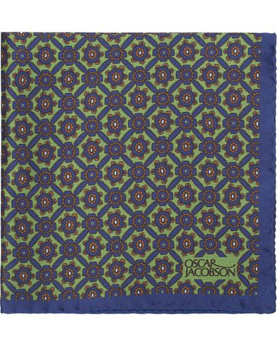 Oscar Jacobson Silk Medallion Pocket Square Green  i gruppen Assesoarer / Lommetørklær hos Care of Carl (13471710)