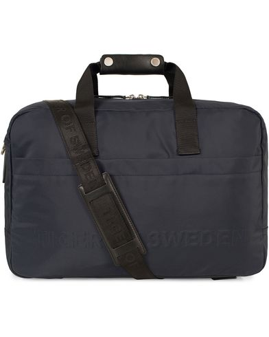 Tiger of Sweden Lautrec Nylon Weekendbag Navy  i gruppen Assesoarer / Vesker / Weekendbager hos Care of Carl (13471910)