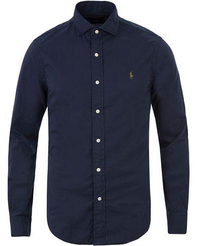 Polo Ralph Lauren Slim Fit Twill Shirt Newport Navy i gruppen Skjortor / Casual skjortor hos Care of Carl (13483311r)