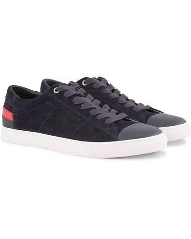Tommy Hilfiger Jay 7B Suede Toe Cap Sneaker Midnight i gruppen Skor / Sneakers / Låga sneakers hos Care of Carl (13486711r)