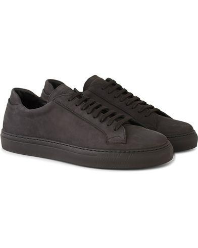 Sweyd Sneaker Nero Nubuck i gruppen Skor / Sneakers / Låga sneakers hos Care of Carl (13488111r)