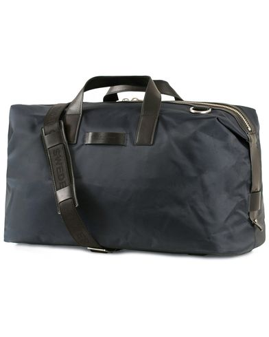 Tiger of Sweden Fabian Canvas/Nylon Weekendbag Navy  i gruppen Accessoarer / Väskor / Weekendbags hos Care of Carl (13489610)
