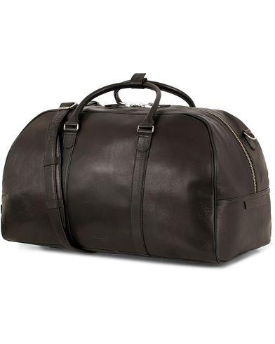 Tiger of Sweden Pinchon Leather Weekend Bag Black  i gruppen Tilbehør / Tasker / Weekendtasker hos Care of Carl (13490010)