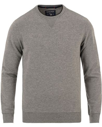 Woolrich Logo Crew Neck Sweat Medium Grey Melange i gruppen Kläder / Tröjor / Sweatshirts hos Care of Carl (13494111r)