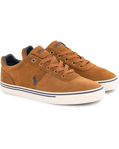 Polo Ralph Lauren Hanford Suede Sneaker New Snuff i gruppen Skor / Sneakers / Låga sneakers hos Care of Carl (13495111r)