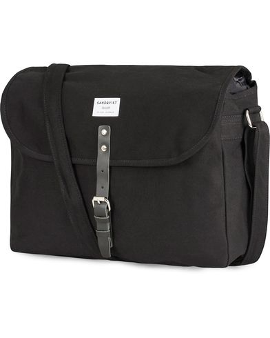 Sandqvist Jack Ground Polycotton Messenger Bag Black  i gruppen Accessoarer / Väskor / Axelremsväskor hos Care of Carl (13496610)