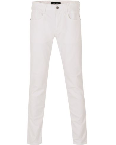 Replay M914 Anbass Jeans White i gruppen Jeans / Avsmalnande jeans hos Care of Carl (13507311r)