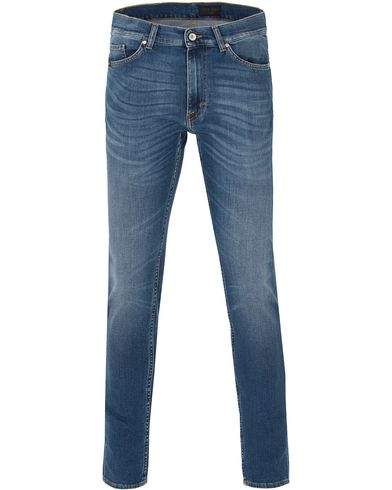 Tiger of Sweden Jeans Straw Awsome Jeans Medium Dark Blue i gruppen Design A / Jeans / Smala jeans hos Care of Carl (13522111r)