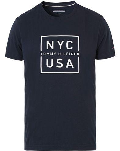 Tommy Hilfiger Finn Crew Neck Tee Midnight i gruppen T-Shirts / Kortärmade t-shirts hos Care of Carl (13529711r)