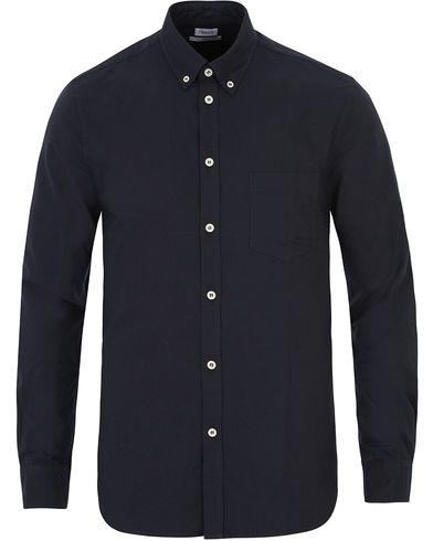 Filippa K Paul Oxford Shirt Navy i gruppen Kläder / Skjortor / Oxfordskjortor hos Care of Carl (13535111r)