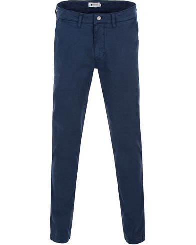 NN07 Marco 1200 Stretch Chinos Light Navy i gruppen Kläder / Byxor / Chinos hos Care of Carl (13557711r)