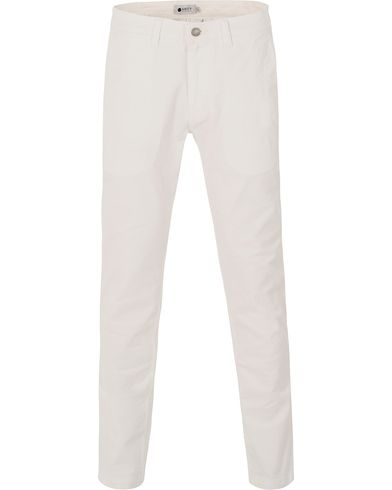 NN07 Marco 1200 Stretch Chinos Off White i gruppen Byxor / Chinos hos Care of Carl (13558911r)