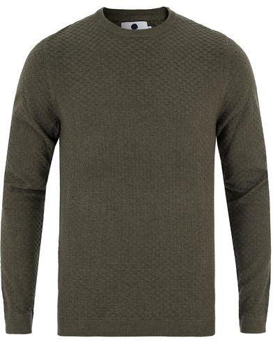 NN07 Albert Cotton Sweater Green i gruppen Tröjor / Stickade tröjor hos Care of Carl (13559511r)