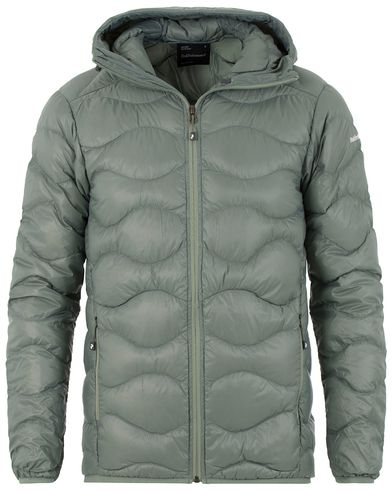 Peak Performance Helium Quilted Hooded Jacket Green i gruppen Kläder / Jackor / Vadderade jackor hos Care of Carl (13583111r)