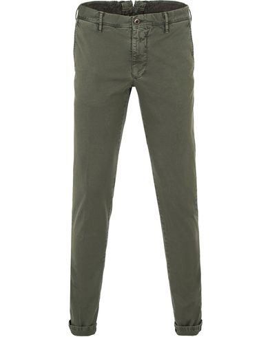 Incotex Slim Fit Stretch Slacks Army Green i gruppen Byxor / Chinos hos Care of Carl (13587111r)