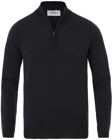 John Smedley Barrow Extra Fine Merion Half Zip Black i gruppen Tröjor / Zip-tröjor hos Care of Carl (13613211r)