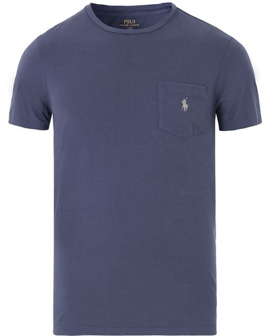 Polo Ralph Lauren Crew Neck Pocket Tee Observer Blue i gruppen Kläder / T-Shirts / Kortärmade t-shirts hos Care of Carl (13632211r)