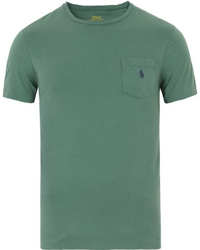 Polo Ralph Lauren Crew Neck Pocket Tee Antique Green i gruppen T-Shirts / Kortärmade t-shirts hos Care of Carl (13632811r)