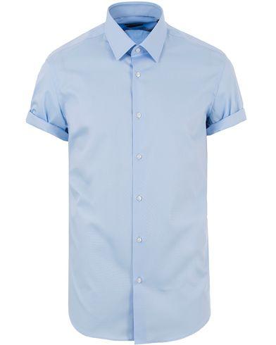 BOSS Cinzio Regular Fit Short Sleeve Shirt Light Blue i gruppen Kläder / Skjortor / Kortärmade skjortor hos Care of Carl (13649711r)