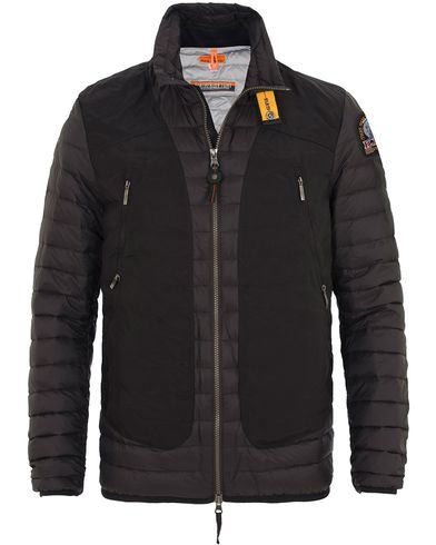 Parajumpers Giuly Featherweight Jacket Black i gruppen Kläder / Jackor / Vadderade jackor hos Care of Carl (13656811r)