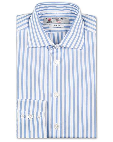 Turnbull & Asser Slim Fit Poplin Stripe Shirt Light Blue i gruppen Skjortor / Formella skjortor hos Care of Carl (13658711r)