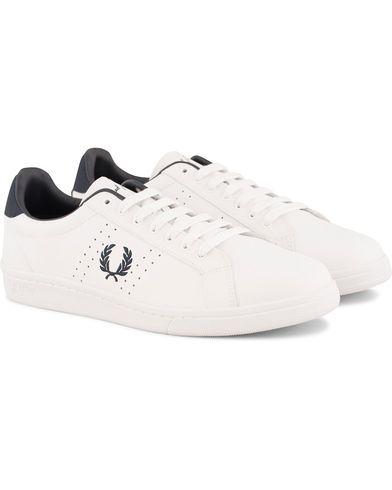 Fred Perry Park Side Leather Sneaker White/Navy i gruppen Sko / Sneakers / Sneakers med lavt skaft hos Care of Carl (13706311r)