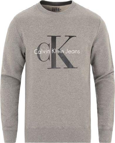 Calvin Klein Jeans True Icon Crew Neck Sweat Mid Grey Heather i gruppen Tröjor / Sweatshirts hos Care of Carl (13721411r)