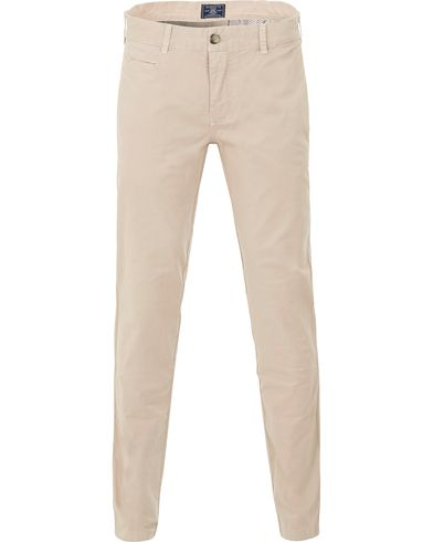 Morris Light Twill Chino Khaki i gruppen Design A / Byxor / Chinos hos Care of Carl (13735111r)
