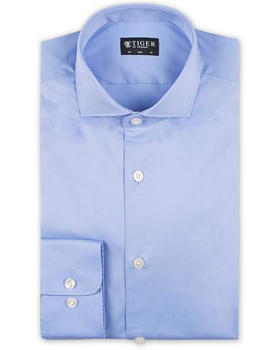 Tiger of Sweden Farell 5 Stretch Shirt Light Blue i gruppen Kläder / Skjortor / Formella skjortor hos Care of Carl (13736211r)