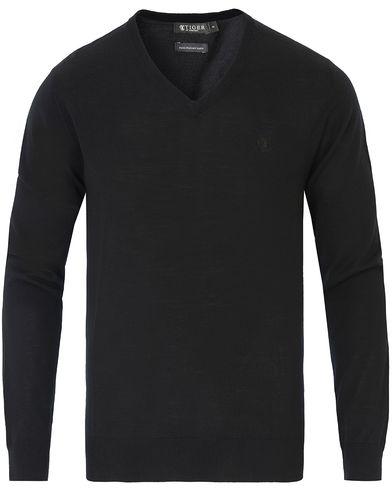 Tiger of Sweden Rael V-neck Pullover Black i gruppen Tröjor / Pullovers / V-ringade pullovers hos Care of Carl (13736311r)