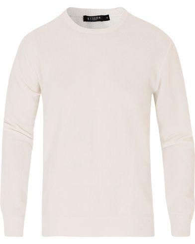 Tiger of Sweden Matias Waffle Crew Neck Pure White i gruppen Kläder / Tröjor / Stickade tröjor hos Care of Carl (13739211r)