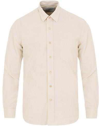 Our Legacy Classic Silk Shirt White i gruppen Klær / Skjorter / Casual / Casual skjorter hos Care of Carl (14044411r)