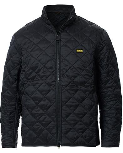 Barbour International Gear Quilted Jacket Black i gruppen Klær / Jakker / Quiltede jakker hos Care of Carl (14176911r)