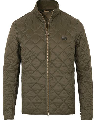 Barbour International Gear Quilted Jacket Olive i gruppen Klær / Jakker / Quiltede jakker hos Care of Carl (14177011r)