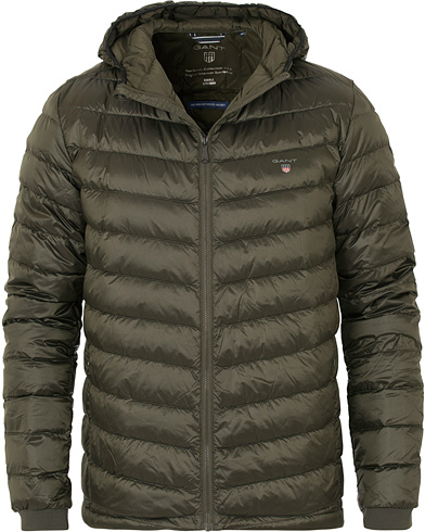 Gant The Airlight Hood Down Jacket Country Green i gruppen Klær / Jakker / Vinterjakker hos Care of Carl (14232111r)