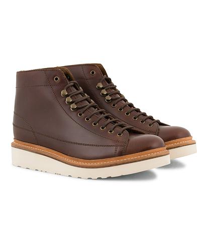 Grenson Andy Laced Boot Chestnut Pull Up Leather i gruppen Sko / Støvler / Snørestøvler hos Care of Carl (14258311r)