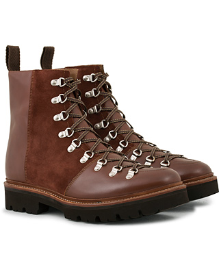 Grenson Brady Laced Boot Tan Calf/Muscat Suede i gruppen Sko / Støvler / Snørestøvler hos Care of Carl (14258411r)