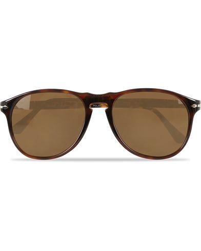Persol 100th Anniversary 0PO6649S Sunglasses Brown  i gruppen Assesoarer / Solbriller / Buede solbriller hos Care of Carl (14302910)