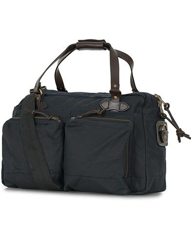 Filson 48-Hours Duffle Bag Navy Canvas  i gruppen Accessoarer / Väskor / Weekendbags hos Care of Carl (14340110)