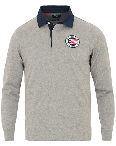 GANT Flag Heavy Rugger Grey Melange i gruppen Kläder / Tröjor / Rugbytröjor hos Care of Carl (14387311r)