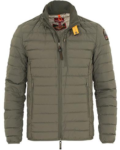 Parajumpers Ugo Super Lightweight Jacket Military i gruppen Klær / Jakker / Vatterte jakker hos Care of Carl (14617011r)